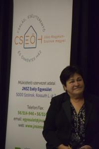 A rendezvény moderátora, Dr. Nagyné Varga Ilona